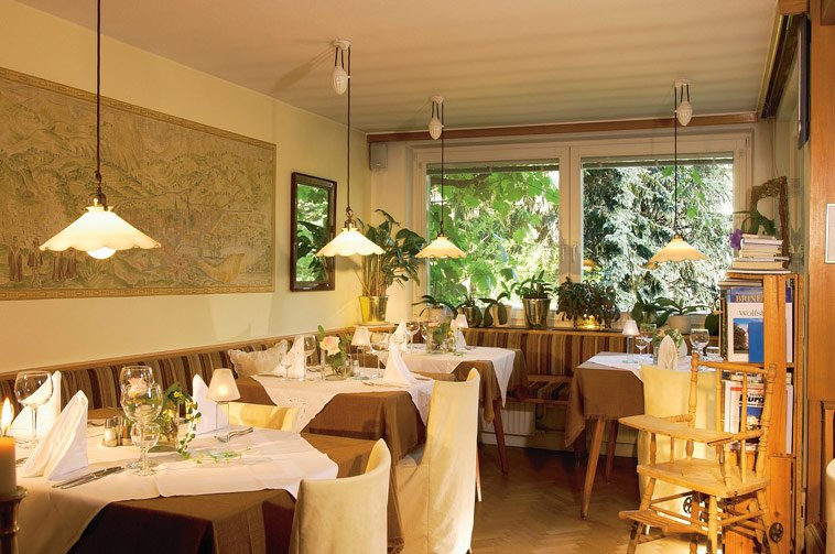 Pension Mayrhofer - Accommodation in Brixen with meals